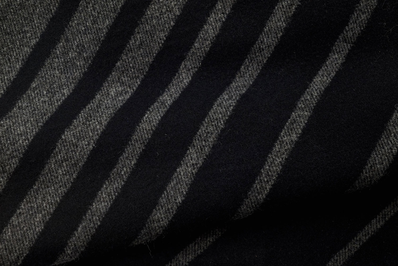Schwarze Streifen